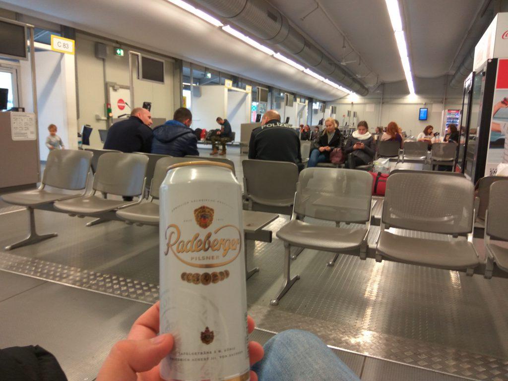 Пиво в аэропорту Берлина